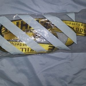 Long yellow belt off white
